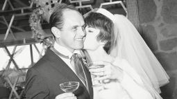 Mandatory Credit: Photo by David Smith/AP/Shutterstock (6621069a) Comedian Bob Newhart, 33, and his bride, the former Virginia Quinn, 22, kiss during toast at a reception that followed their marriage in St. Victor Roman Catholic Church in West Hollywood . The bride is the daughter of actor William Quinn Bob Newhart With Wife Virginia, LOS ANGELES, USA